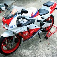 經典1990年代最親民的四缸250仿賽~Honda CBR250RR