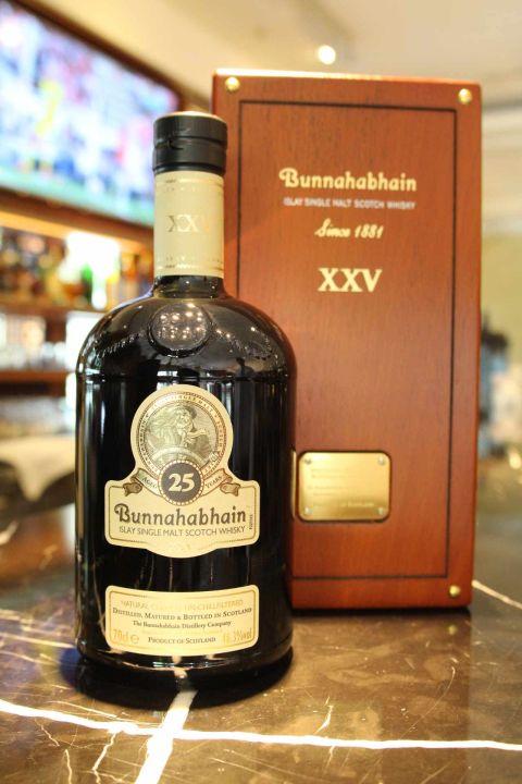 (現貨) Bunnahabhain 25 years 布納哈本 25年 非冷凝過濾 (700ml 46.3%)