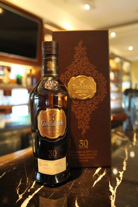 (現貨) Glenfiddich 30 years 格蘭菲迪 30年 (700ml 43%)