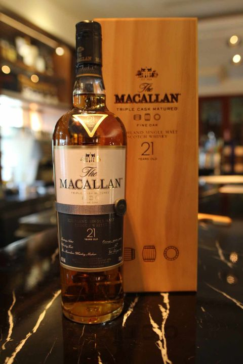(現貨)Macallan 21 years Fine Oak 麥卡倫 21年 三桶 (700ml 43%)