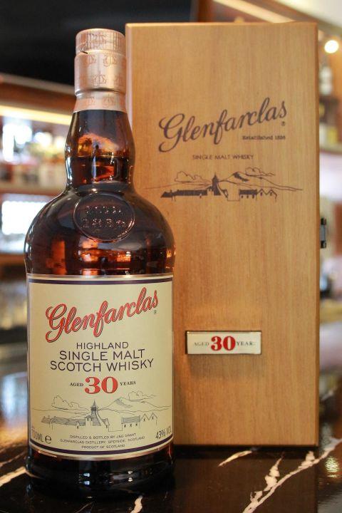 (現貨) Glenfarclas 30 years 格蘭花格 30年 木盒 (700ml 43%)