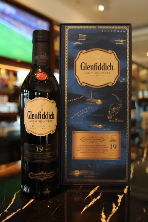 (現貨) Glenfiddich 19 years Age of Discovery 格蘭菲迪 19年 探險家 波本桶 (700ml 40%)