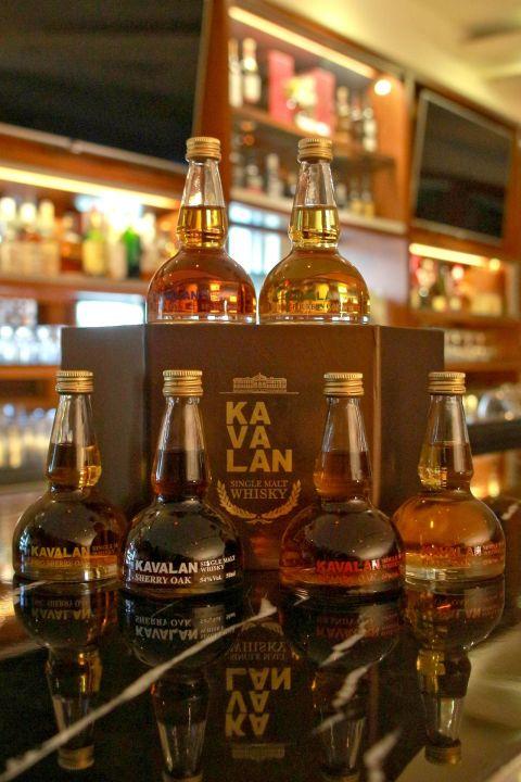 Kavalan Pot Still Miniature Gift Set 噶瑪蘭 威士忌蒸餾器 原酒小樣組 (50ml*6, 53-54%)