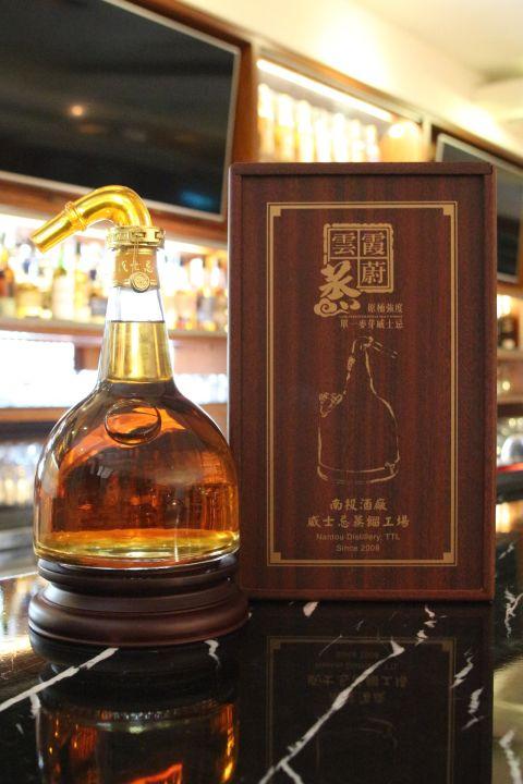 (現貨) TTL Cask Strength Whisky 台灣菸酒 雲蒸霞蔚 原酒強度 2015限定 蒸餾器造型 (1000ml 56%)