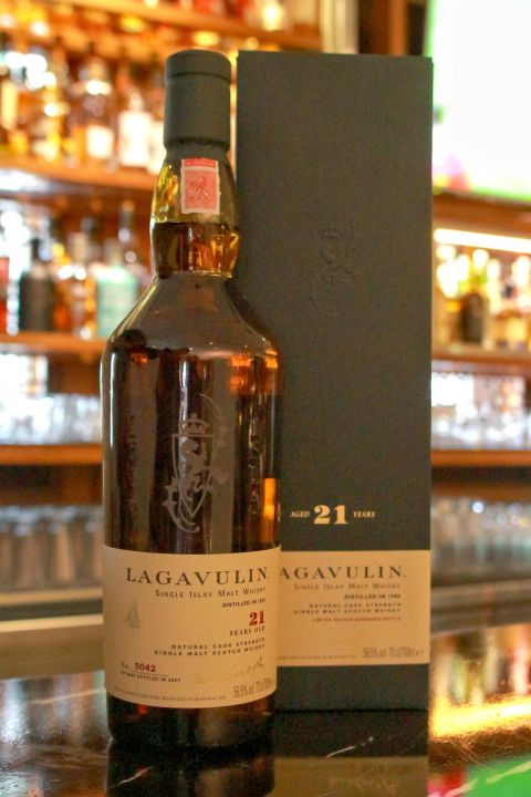 (現貨) LAGAVULIN 21 years MMA Gold Medal 拉加維林 21年 MMA 金牌桶 (700ml 56.5%)