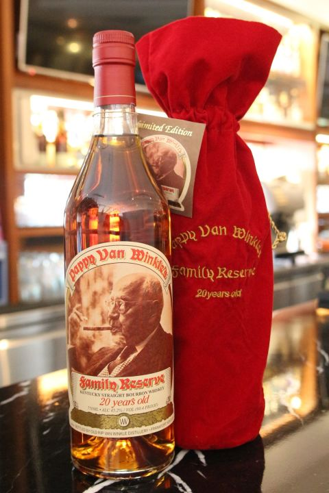(現貨) Pappy Van Winkle's 20 years Family Reserve Straight Bourbon Whisky 稀有逸品 (750ml 45.2%)