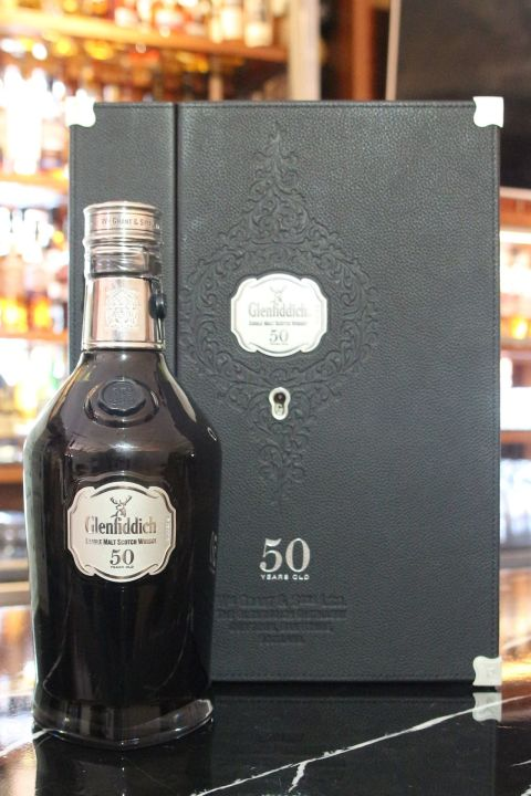 (現貨) Glenfiddich 50 years 2nd Release 格蘭菲迪 50年 第二版 (700ml 46.1%)