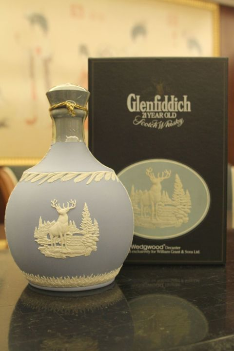 (現貨) Glenfiddich 21 years Wedgwood 格蘭菲迪 21年 經典瓷瓶 (700ml 43%)