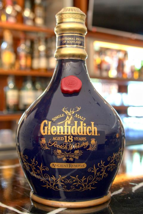 (現貨) Glenfiddich 18 years Ancient Reserve 格蘭菲迪 18年 經典瓷瓶 (700ml 43%)