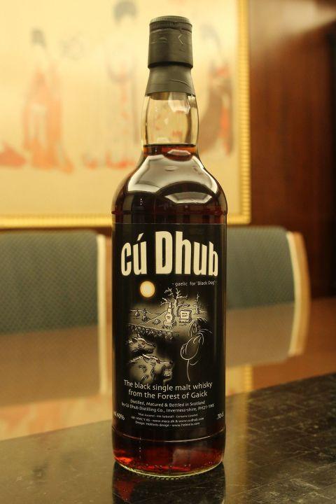 (現貨) Cú Dhub The Black Sigle Malt Whisky 黑狗 惡靈傳說 單一純麥威士忌 (700ml 40%)