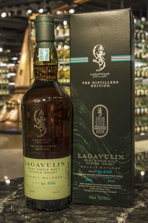 (現貨) LAGAVULIN Double Matured 2000 Distillers Edition 拉加維林 2000 雙桶 酒廠200週年紀念 (700ml 43%)