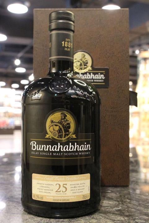 (現貨) Bunnahabhain 25 Years Small Batch Distilled 布納哈本25年 單一麥芽威士忌 (700ml 46.3%)