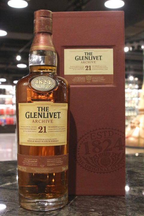 (現貨) GLENLIVET Archive 21 Years Single Malt Whisky 格蘭利威 21年 單一麥芽威士忌 (700ml 43%)