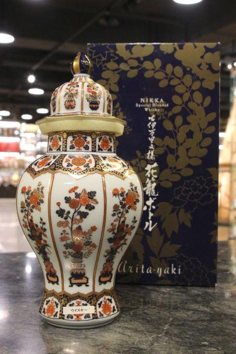 (現貨) Nikka Arita Yaki Ceramic Decanter 有田燒 古伊萬里文樣花籠瓶 (720ml 43%)
