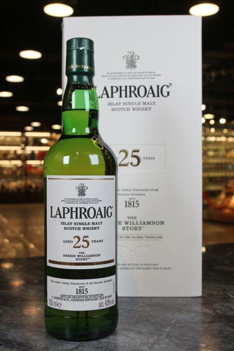 (現貨) Laphroaig 25 Years The Bessie Williamson Story 拉佛格 25年 書冊版 (700ml 43%)